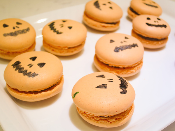Milk Chocolate Apricot Macarons for Halloween