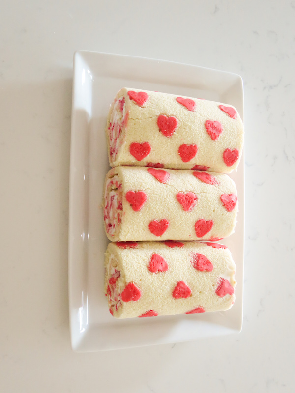 Heart Patterned Roll Cake