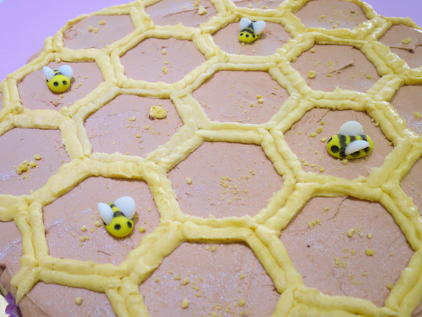 Mini Cupcakes Honeycomb Cake