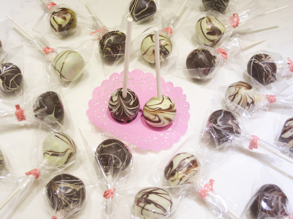 Double Chocolate Marbled Cake Pops